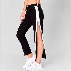 NWT Carmar Mia Zipper Jeans!